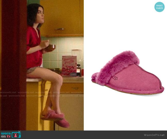 Ugg Pink Scuffette Slipper worn by Katy Keene (Lucy Hale) on Katy Keene