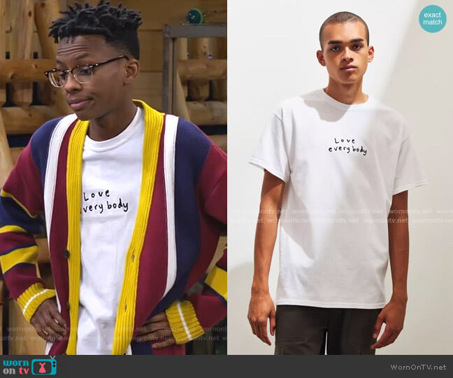 Love Everybody Tee by Urban Outfitters worn by Israel Johnson on Bunkd
