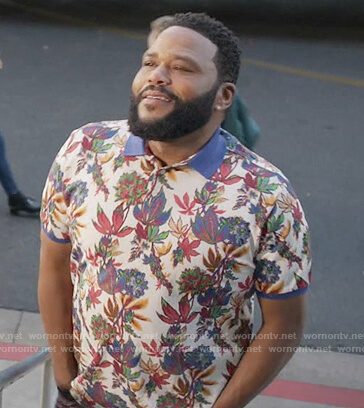 Andre's white floral polo on Black-ish