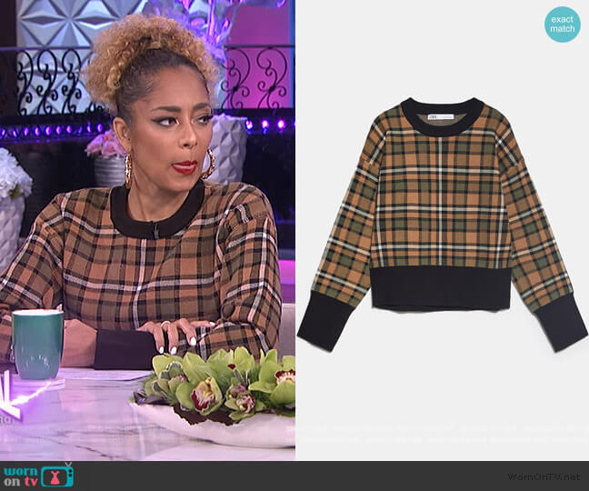 Plaid Knit Sweatshirt by Zara worn by Amanda Seales  on The Real