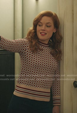 Zoey's heart print sweater on Zoeys Extraordinary Playlist
