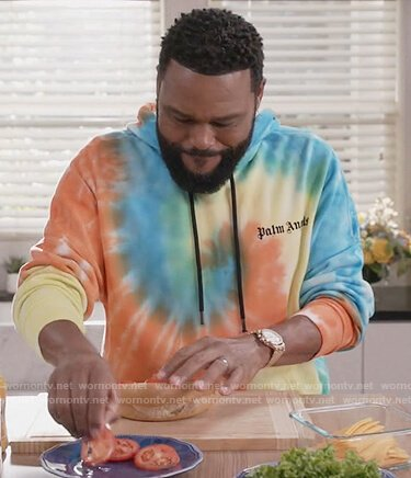 Andre's rainbow tie dye hoodie on Black-ish