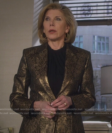 Diane's gold floral jaquard blazer on The Good Fight