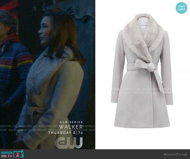 Emilia Coat by Forever New worn by Bess (Maddison Jaizani) on Nancy Drew