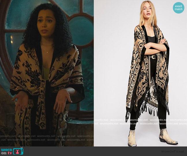 Nightbird Burnout Kimono by Free People worn by Macy Vaughn (Madeleine Mantock) on Charmed