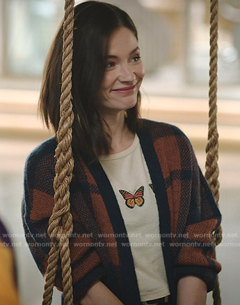Abigail's yellow butterfly print tee on Zoeys Extraordinary Playlist