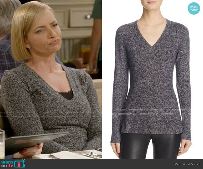 Aqua V-Neck Cashmere Sweater worn by Jill Kendall (Jaime Pressly) on Mom