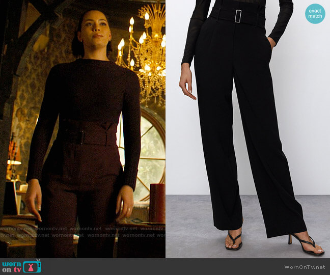 Aritzia Babaton Power Pants worn by Macy Vaughn (Madeleine Mantock) on Charmed