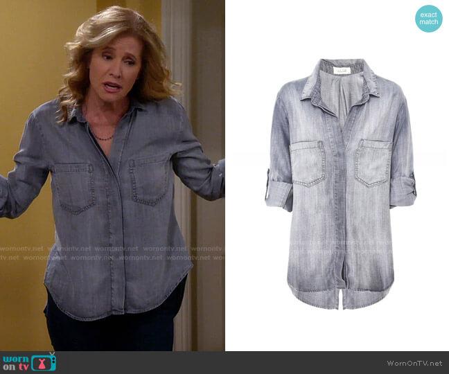 Bella Dahl Split Back Shirt worn by Vanessa Baxter (Nancy Travis) on Last Man Standing