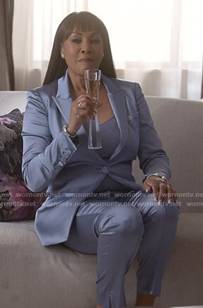 Candace's blue satin suit on Empire