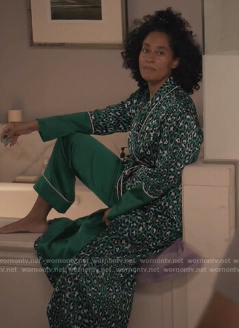 Rainbow's green leopard print robe on Black-ish