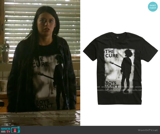 Hot Topic The Cure Boys Don't Cry T-shirt worn by Rosa Ortecho (Amber Midthunder) on Roswell New Mexico