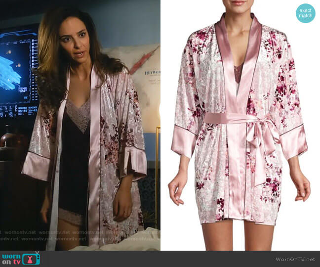 Alpine Floral Crushed Velvet Robe by In Bloom worn by Zari Tomaz (Tala Ashe) on Legends of Tomorrow