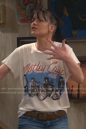 Jackie's white Motley Crue print tee on Broke