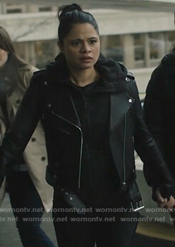 Mel's black leather moto jacket on Charmed