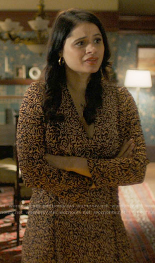 Mel's marbled print dress on Charmed