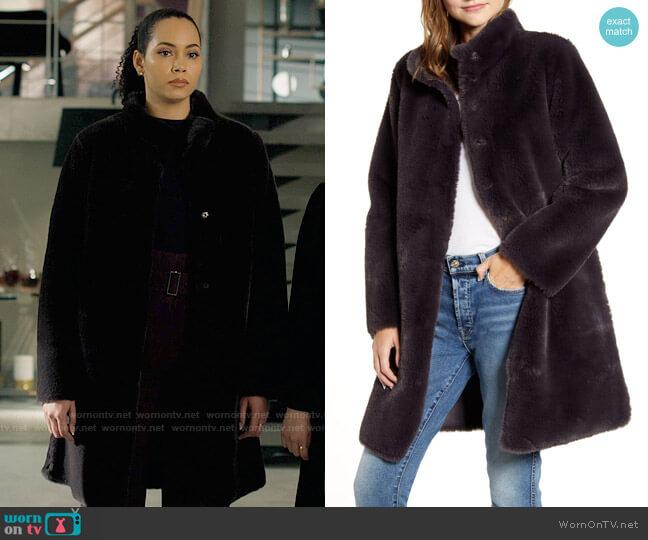Velvet by Graham & Spencer Reversible Faux Shearling Coat worn by Macy Vaughn (Madeleine Mantock) on Charmed