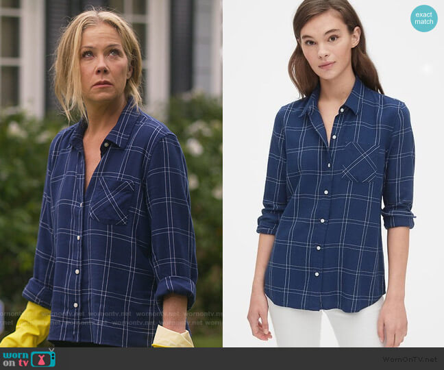 Blue Plaid Flannel by Gap worn by Jen Harding (Christina Applegate) on Dead to Me