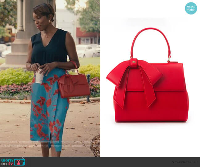Cottontail Bag by Gunas worn by Helen Decatur (Heather Headley) on Sweet Magnolias