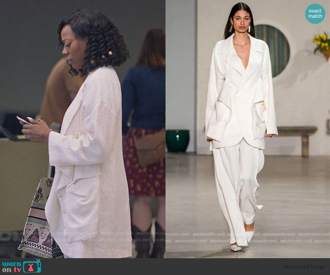 FW 2019 Collection by Jacquemus worn by Molly Carter (Yvonne Orji) on Insecure