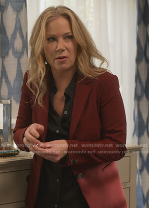 Jen's burgundy blazer on Dead to Me