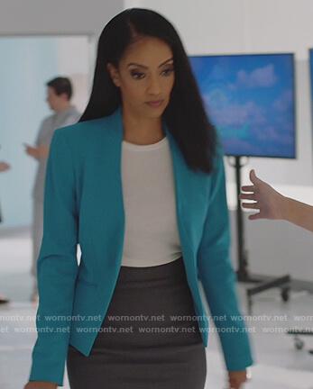 Kelly's turquoise blazer on Supergirl