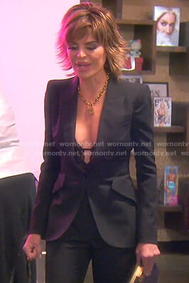 Lisa's black blazer on The Real Housewives of Beverly Hills