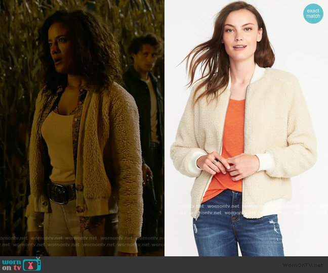 Sherpa Bomber Jacket by Old Navy worn by Maria DeLuca (Heather Hemmens) on Roswell New Mexico