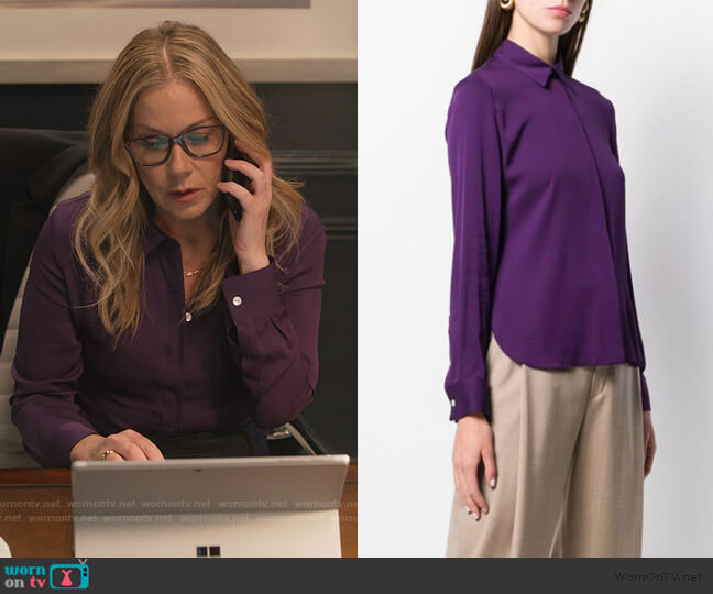 Classic Fitted Shirt by Theory worn by Jen Harding (Christina Applegate) on Dead to Me