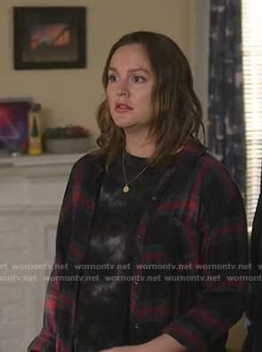 Angie's black plaid shirt on Single Parents