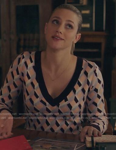 Betty's geometric print v-neck sweater on Riverdale