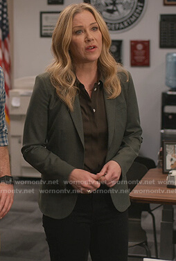 Jen's green single breasted blazer on Dead to Me