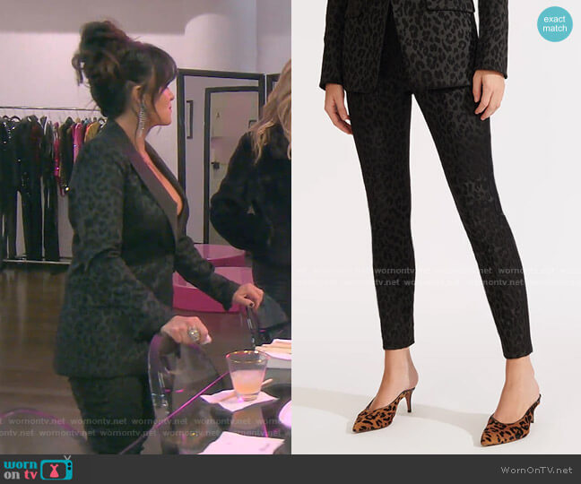 Honolulu Pants by Veronica Beard worn by Kyle Richards  on The Real Housewives of Beverly Hills