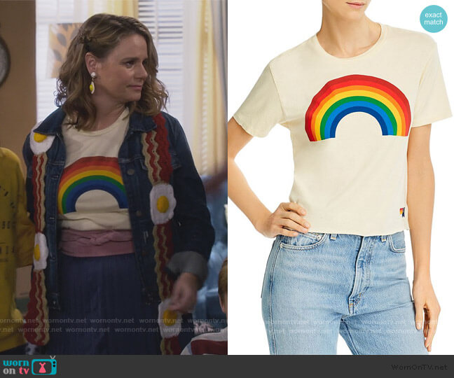 Big Rainbow Graphic Boyfriend Tee by Aviator Nation worn by Kimmy Gibbler (Andrea Barber) on Fuller House