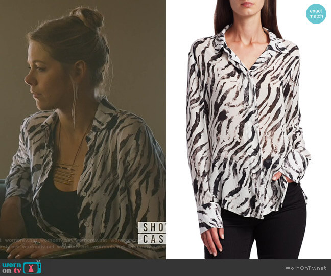 Zebra-Print Shirt by Bella Dahl worn by Isobel Evans-Bracken (Lily Cowles) on Roswell New Mexico