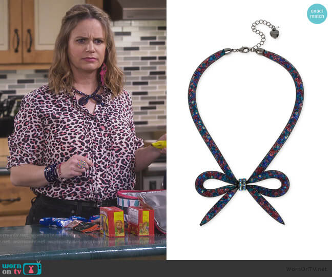 Mesh Bow Collar Necklace by Betsey Johnson worn by Kimmy Gibbler (Andrea Barber) on Fuller House