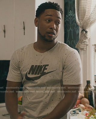 Emmett's white star Nike tee on The Chi