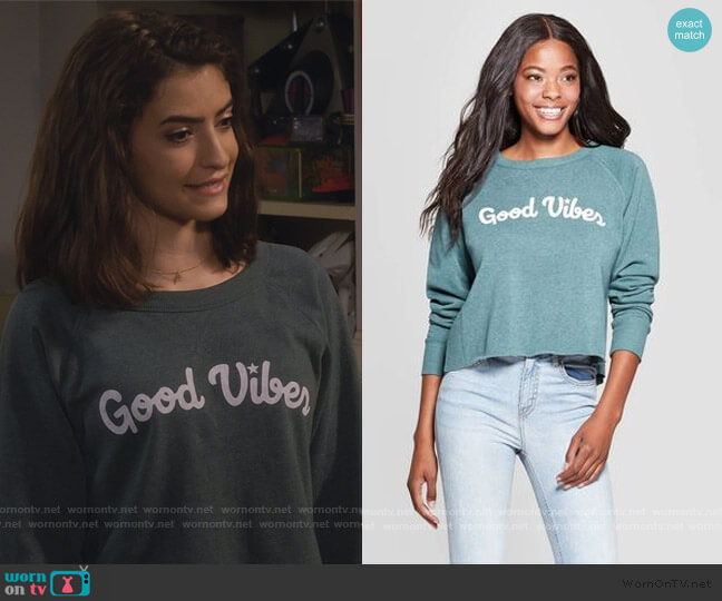 Good Vibes Cropped Graphic Sweatshirt by Target worn by Ramona Gibbler (Soni Nicole Bringas) on Fuller House