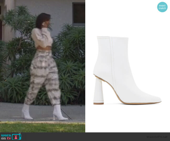 Les Bottes Toula Boots by Jacquemus worn by Molly Carter (Yvonne Orji) on Insecure