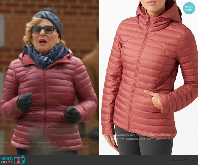 Pack It Down Jacket by Lululemon worn by Hadassah Gold (Bette Midler) on The Politician