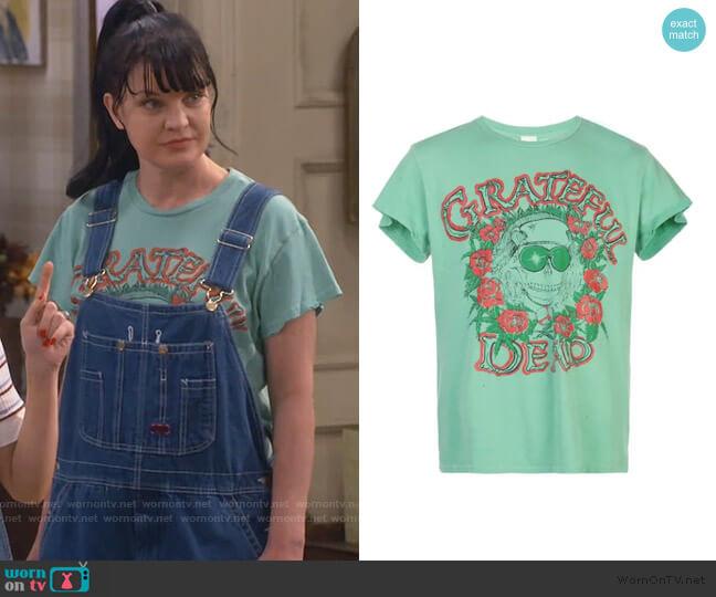 Grateful Dead distressed T-shirt by Madeworn worn by Jackie (Pauley Perrette) on Broke
