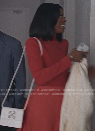 Molly's white cross body bag on Insecure