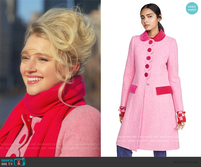 The Sunday Best Coat by Marc Jacobs worn by Alice (Julia Schlaepfer) on The Politician