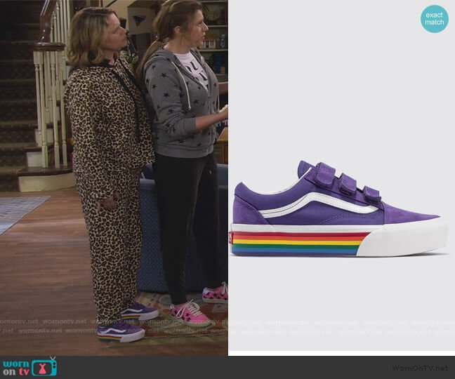 Old School Platform Sneakers by Vans worn by Kimmy Gibbler (Andrea Barber) on Fuller House