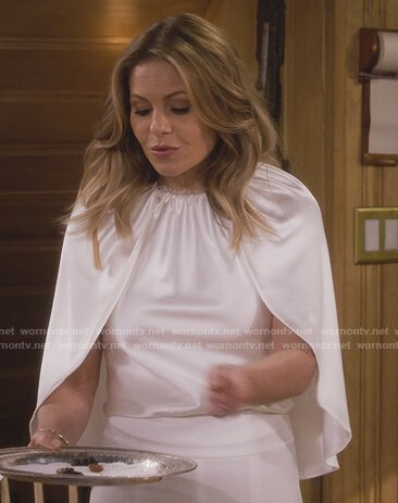 DJ's white satin cape on Fuller House