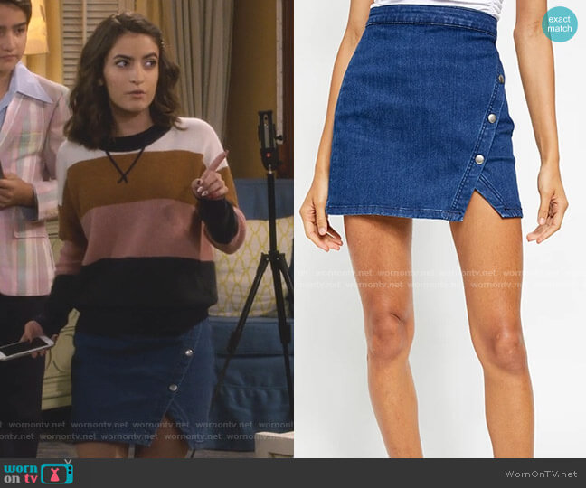 Notched Denim Mini Skirt by Free People worn by Ramona Gibbler (Soni Nicole Bringas) on Fuller House