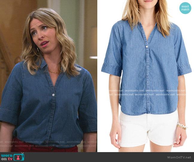 Button-Up Chambray Shirt by J. Crew worn by Jennifer Cooper (Jolie Jenkins) on Alexa & Katie