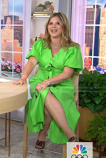 Jenna's green puff sleeve dress on Today