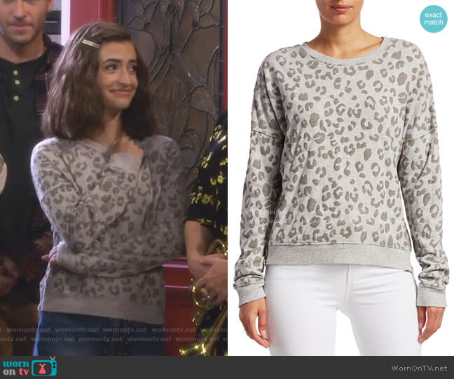 Marlo Sweatshirt by Rails worn by Ramona Gibbler (Soni Nicole Bringas) on Fuller House