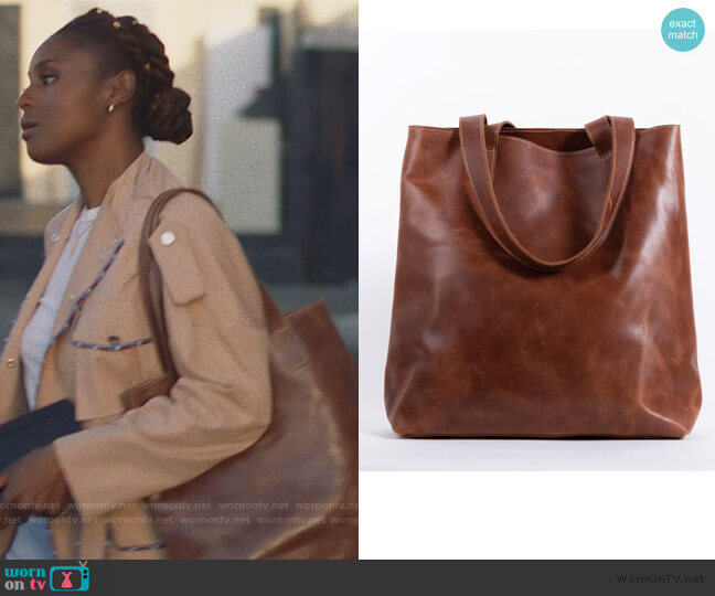 Hanna Leather Tote by Unoeth worn by Issa Dee (Issa Rae) on Insecure